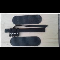 """Комплект креплений для лыж """"Охотничий"""" (кожа носочный и запяточный ремни   накладка резиновая 100 мм на платформу)    КОХ 001/ 1"""